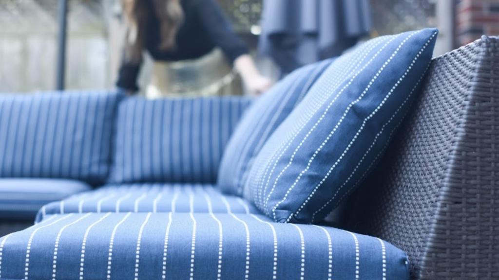 reupholster patio cushions